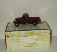 International Harvester C-Series 1934 Dinky Matchbox 1:43