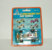 Формула Formula 1 Mini Racing Car Britax Vintage TinToys 1:50