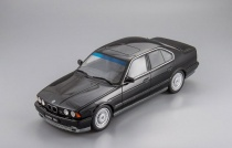 БМВ BMW 5 series E34 1994 Otto Mobile 1:18